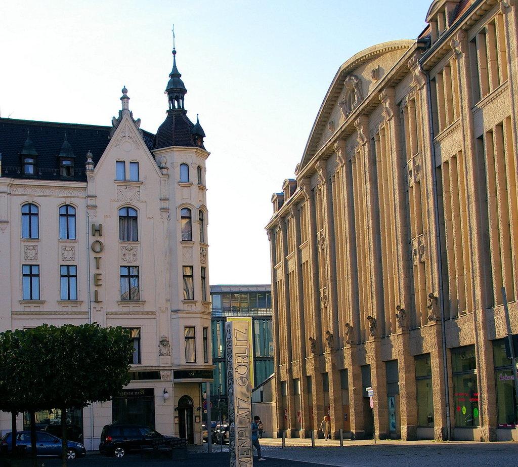 """AKZENT Stadthotel """"Am Goldenen Strauss"""""""
