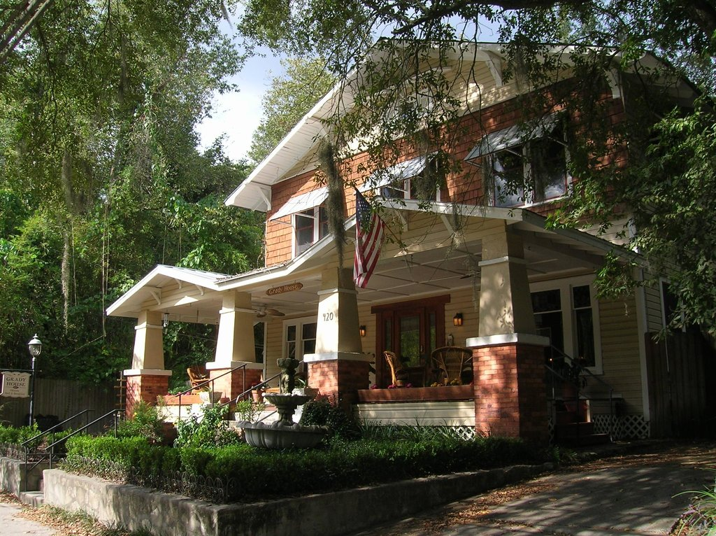 ‪Grady House Bed and Breakfast‬
