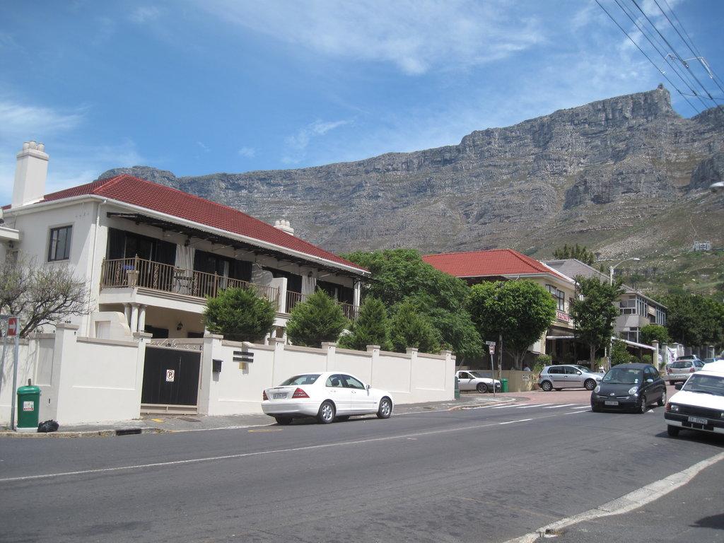 Cote-Sud Apartments