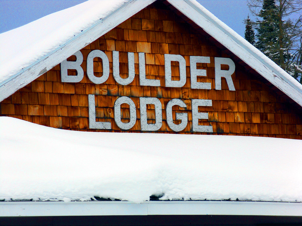 Boulder Lodge on Ghost Lake