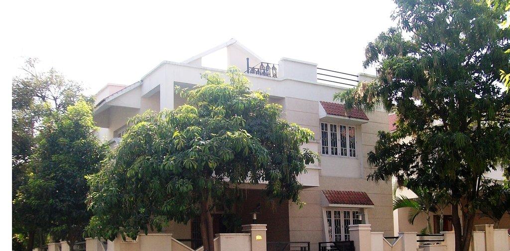 Supreme Vasantha Valley Transit House
