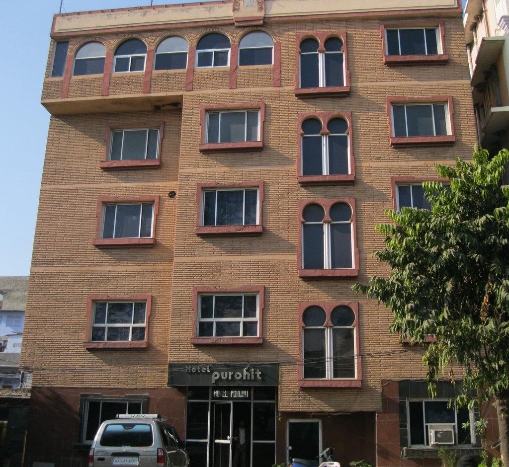 Purohit Hotel