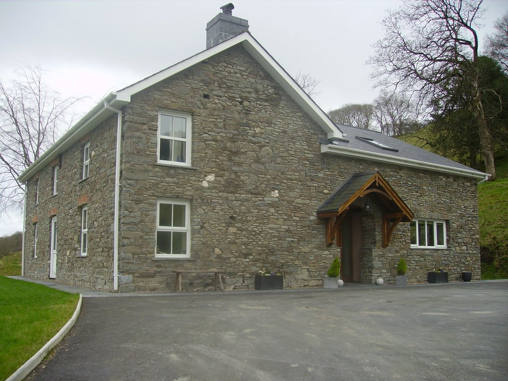 Rhiwarthen Isaf Farmhouse B&B