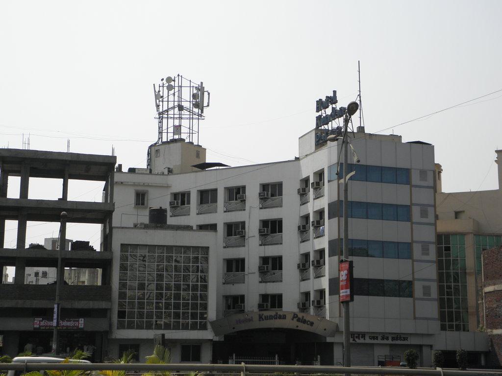 Kundan Palace