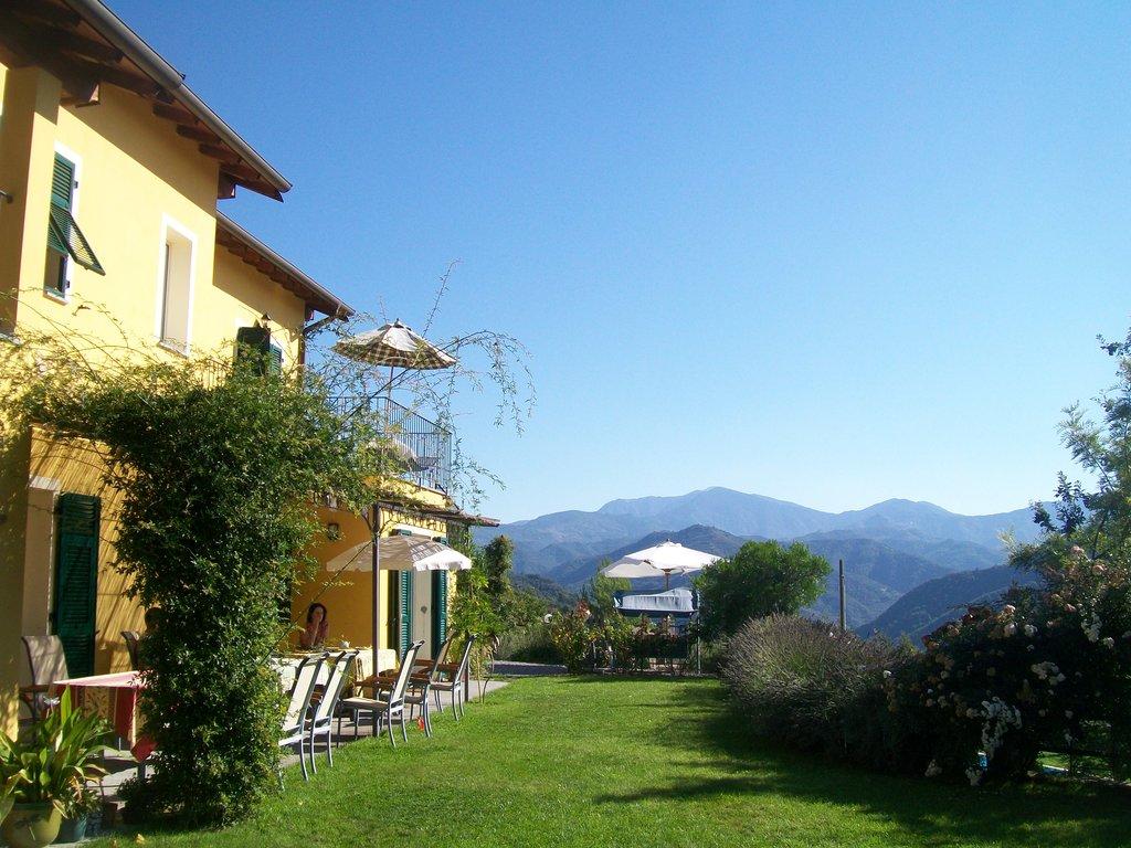 Casa Villatalla Guest House