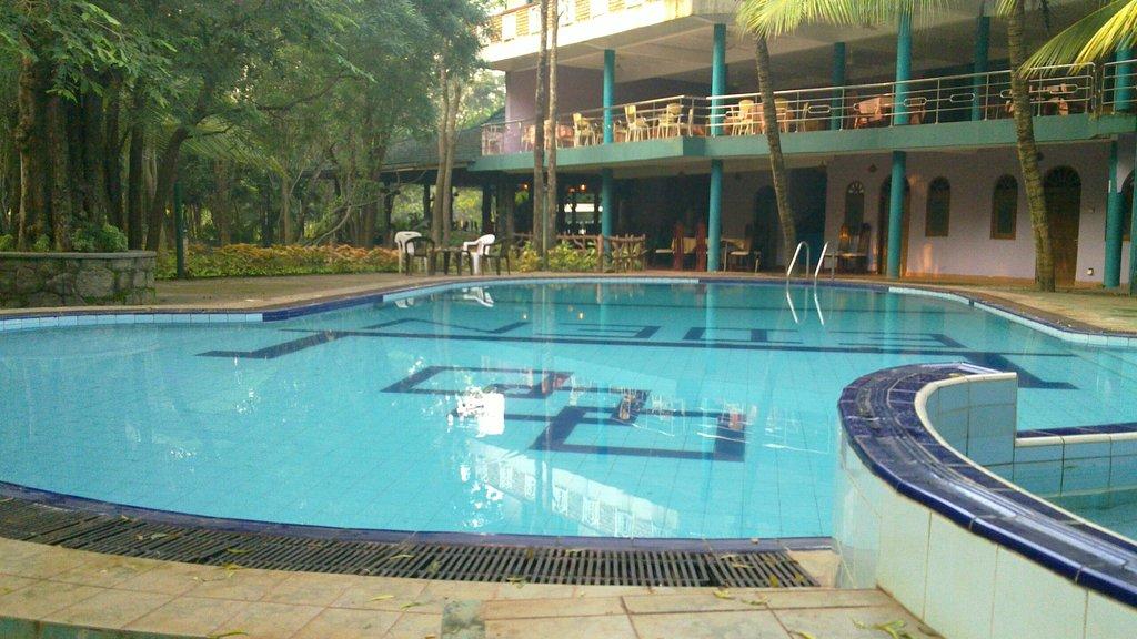 Eden Garden Hotel