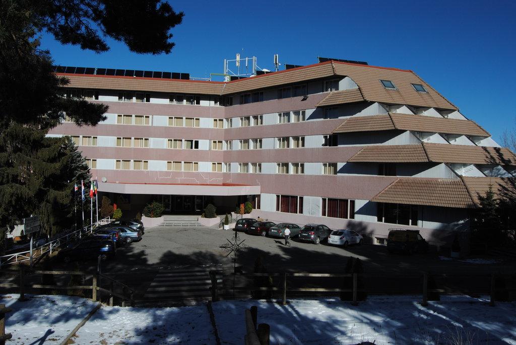 アルプ ホテル マセルラ