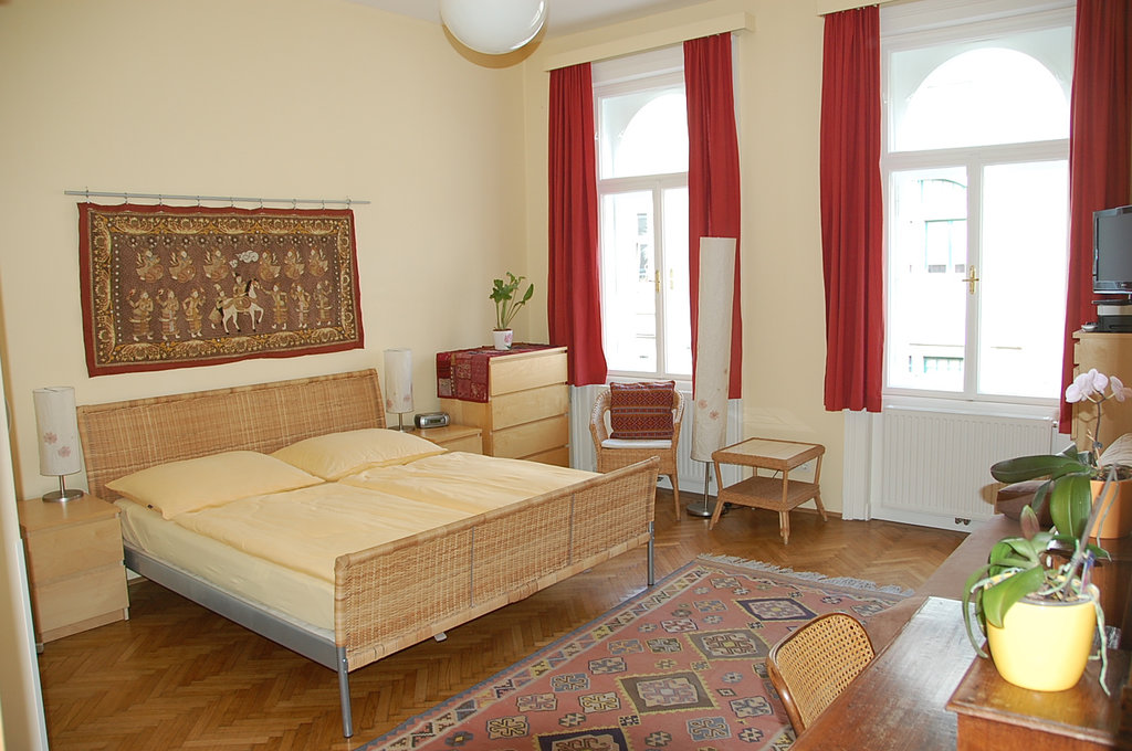 Stadtnest Bed & Breakfast and Apartment