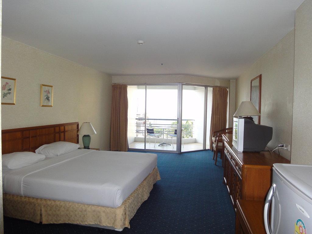 Sandy Spring Hotel