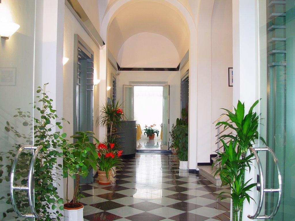 ホテル ティレニア