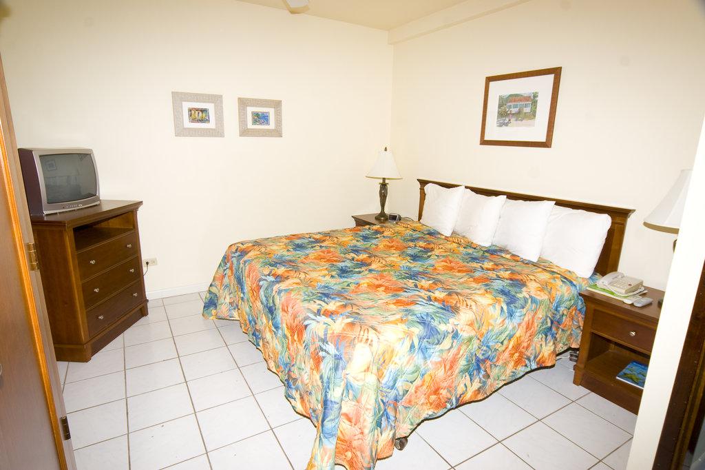 Village Cay Hotel