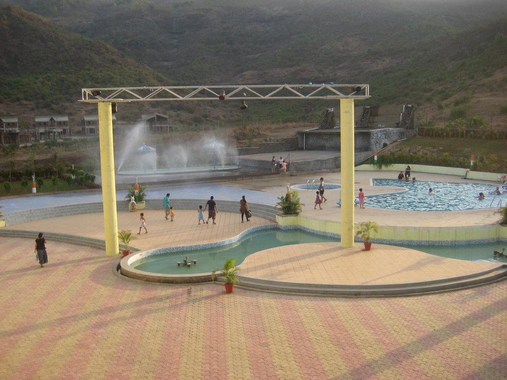 Mohili Meadows Resort