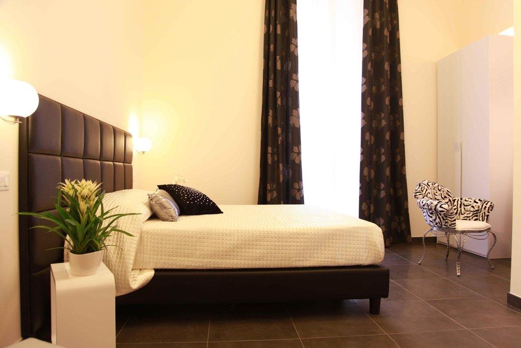 德科羅馬酒店