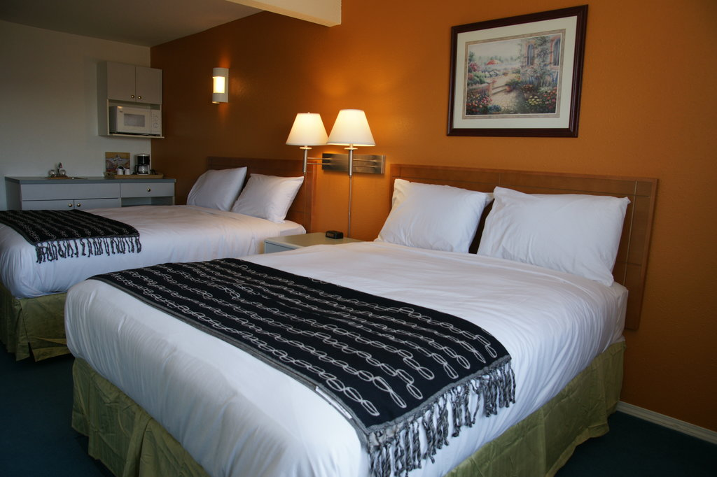 R&R Inn and Suites
