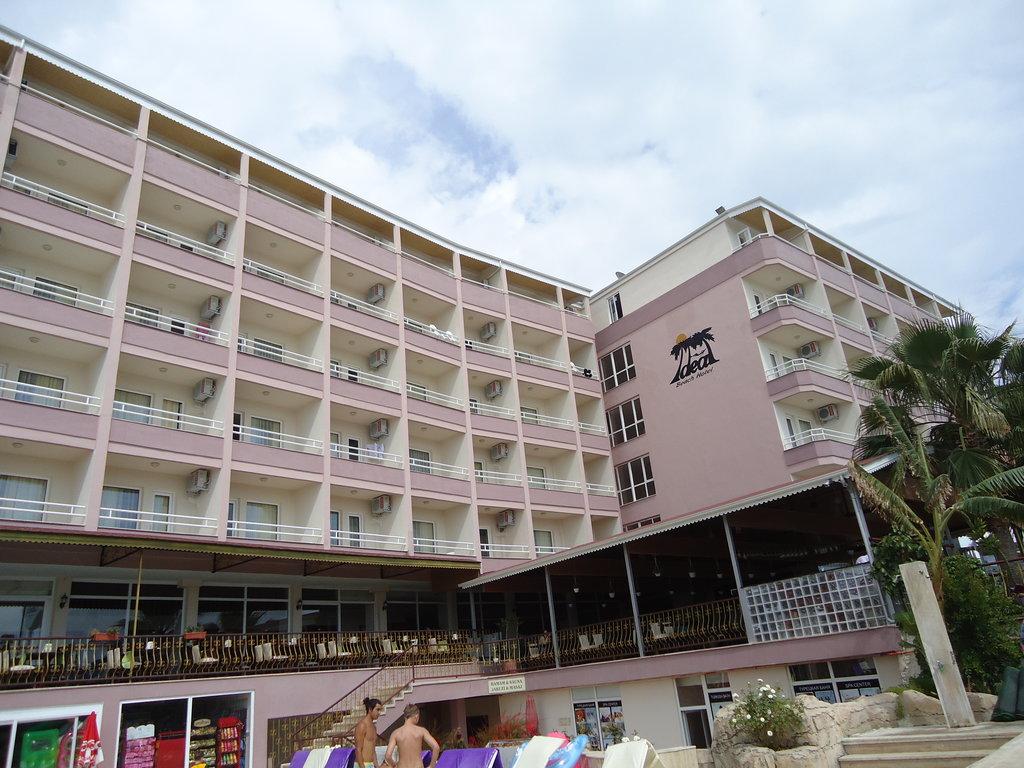 Ideal Beach Hotel