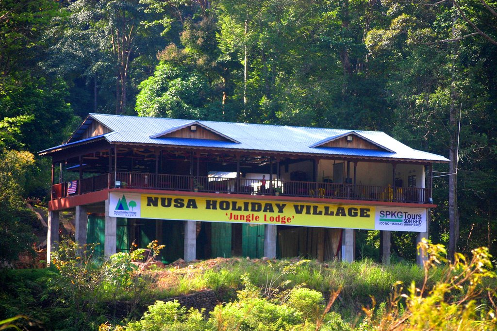 Nusa Holiday Village