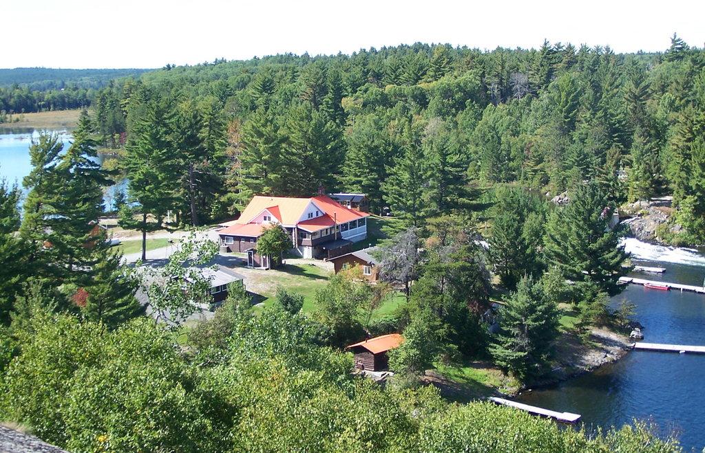 Pine Falls Lodge