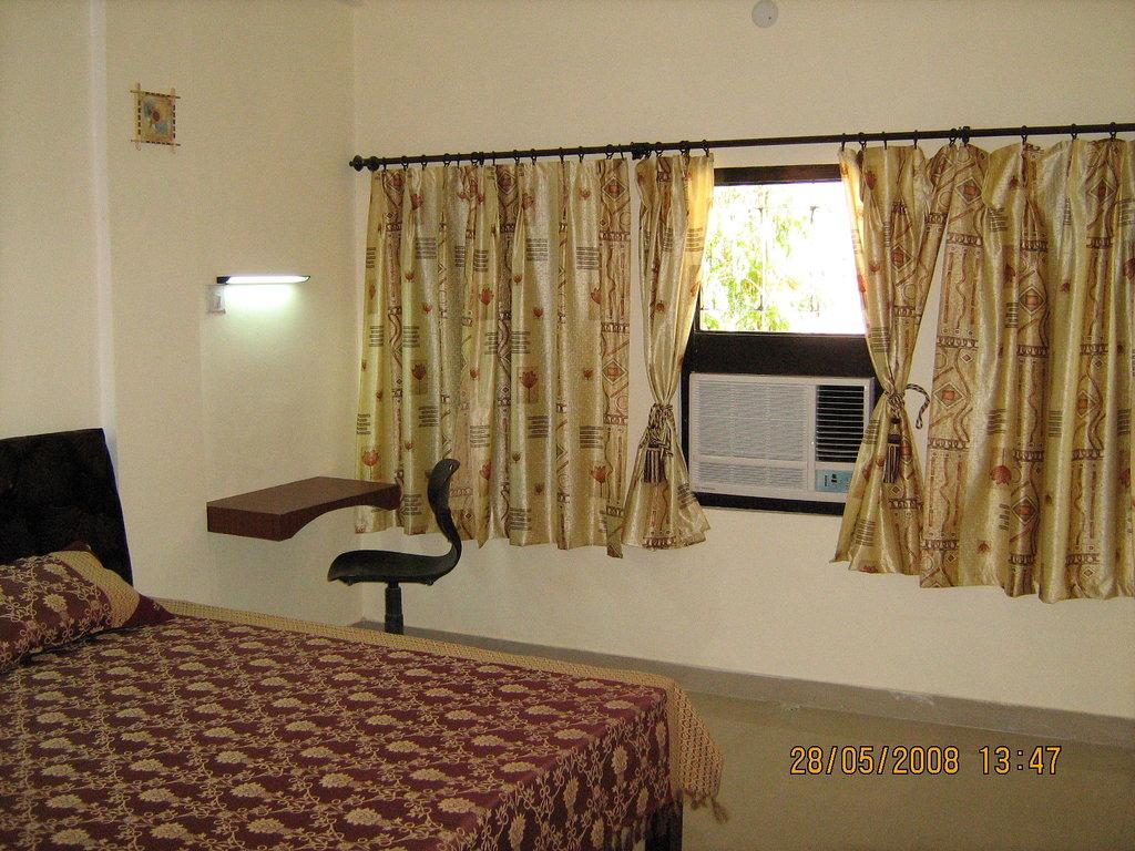 Natraj Tourist Hotel