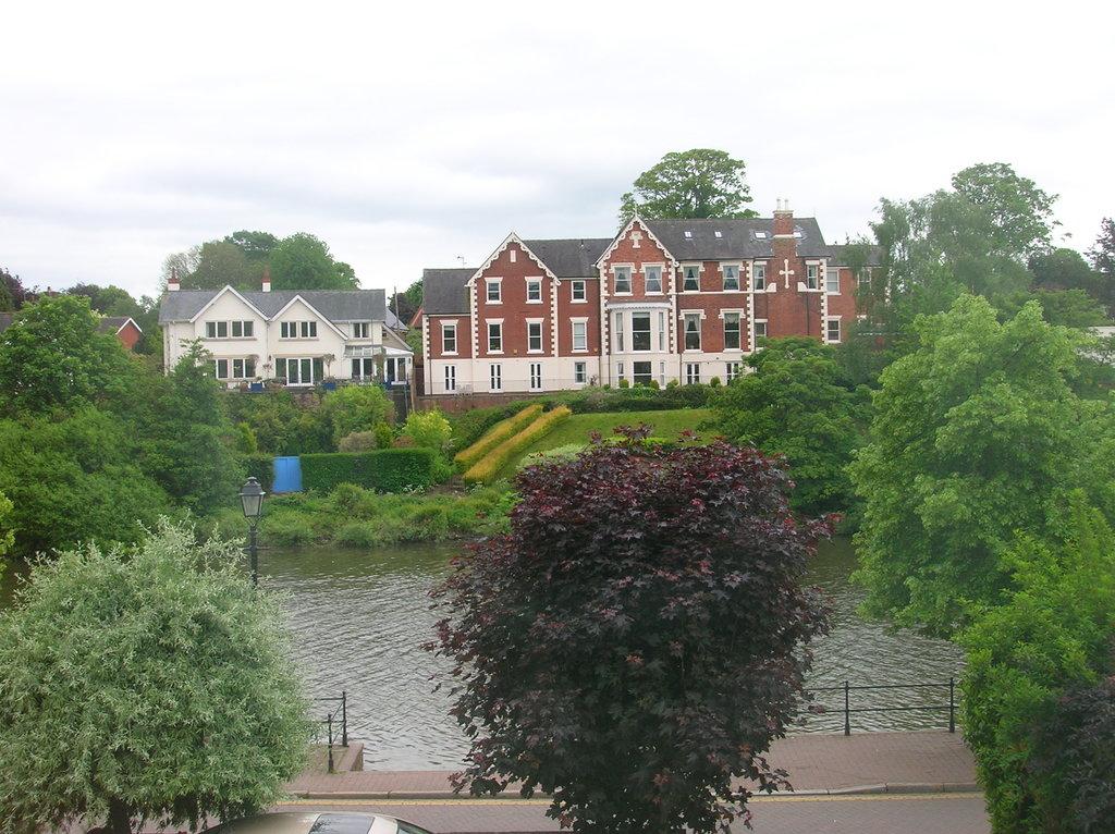 Grove Villa