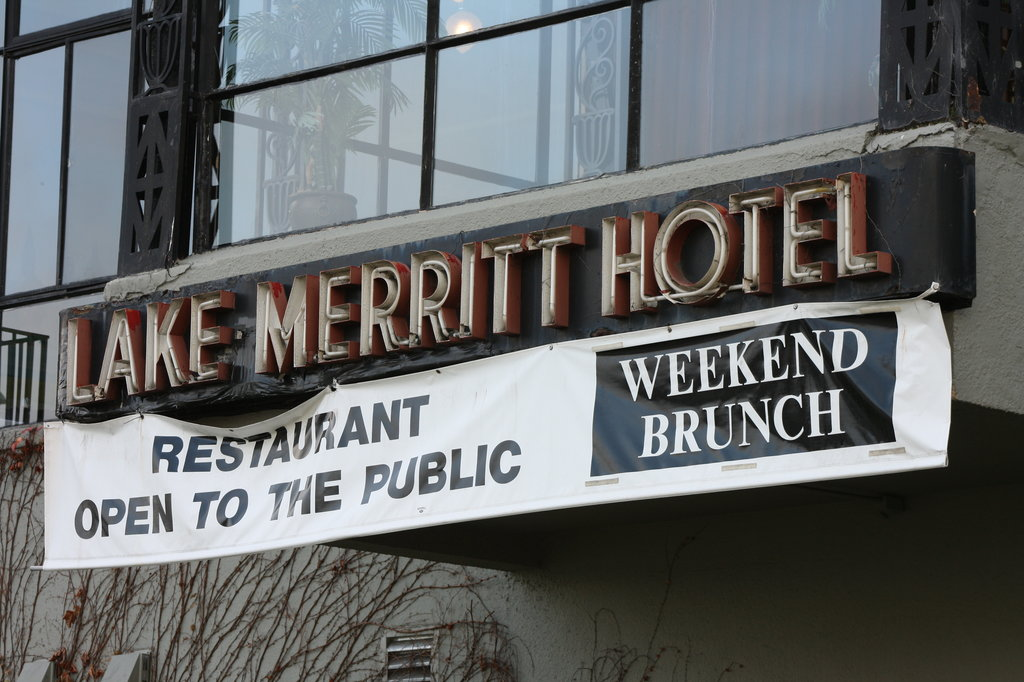 Lake Merritt Hotel & Apartments