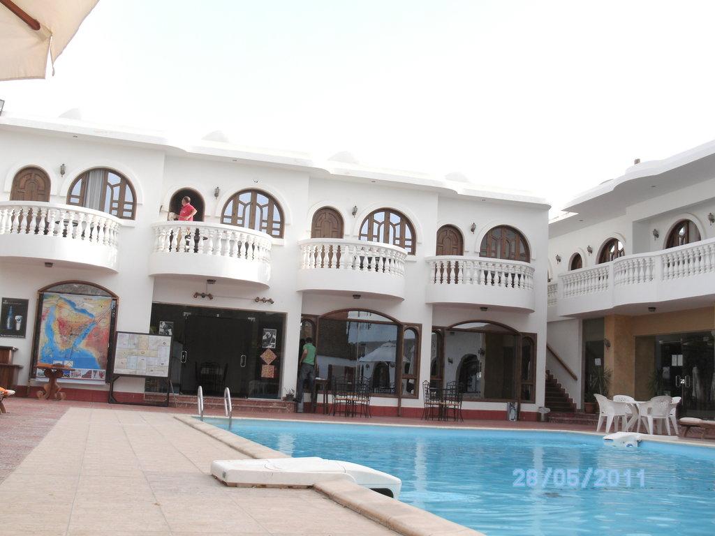 Christina Residence Hotel