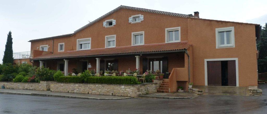 Hotel le Saint Genies