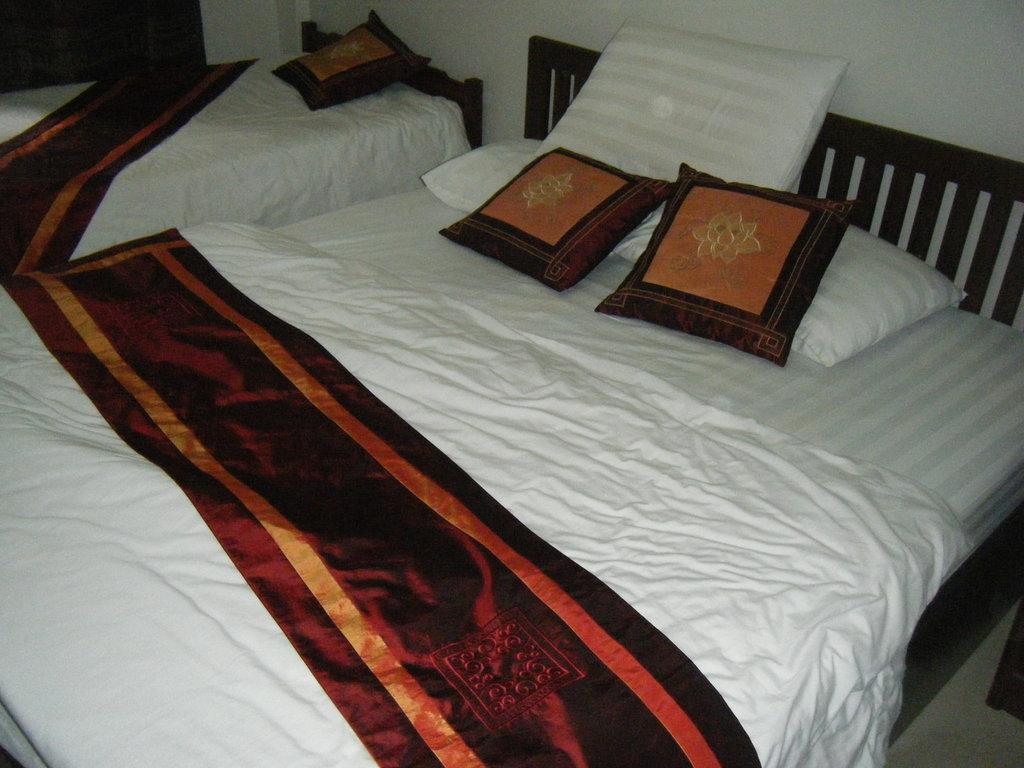 Naphavong Hotel