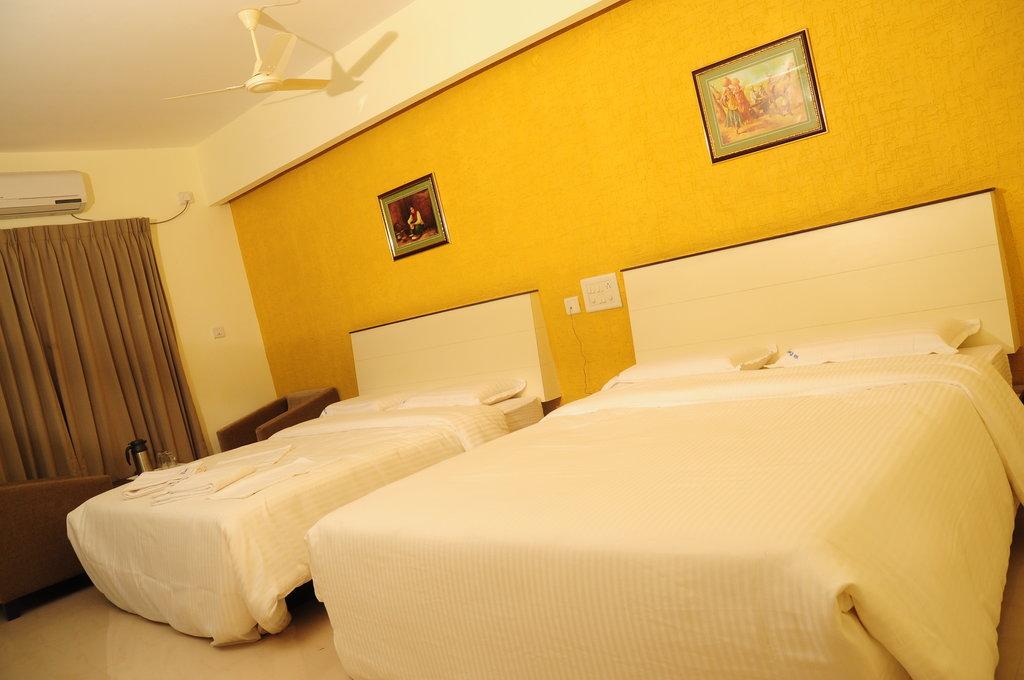 Comfort Inn Vyshak