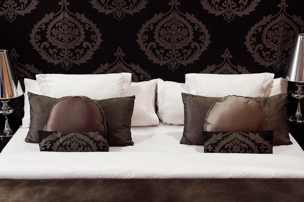 Splendom Suites