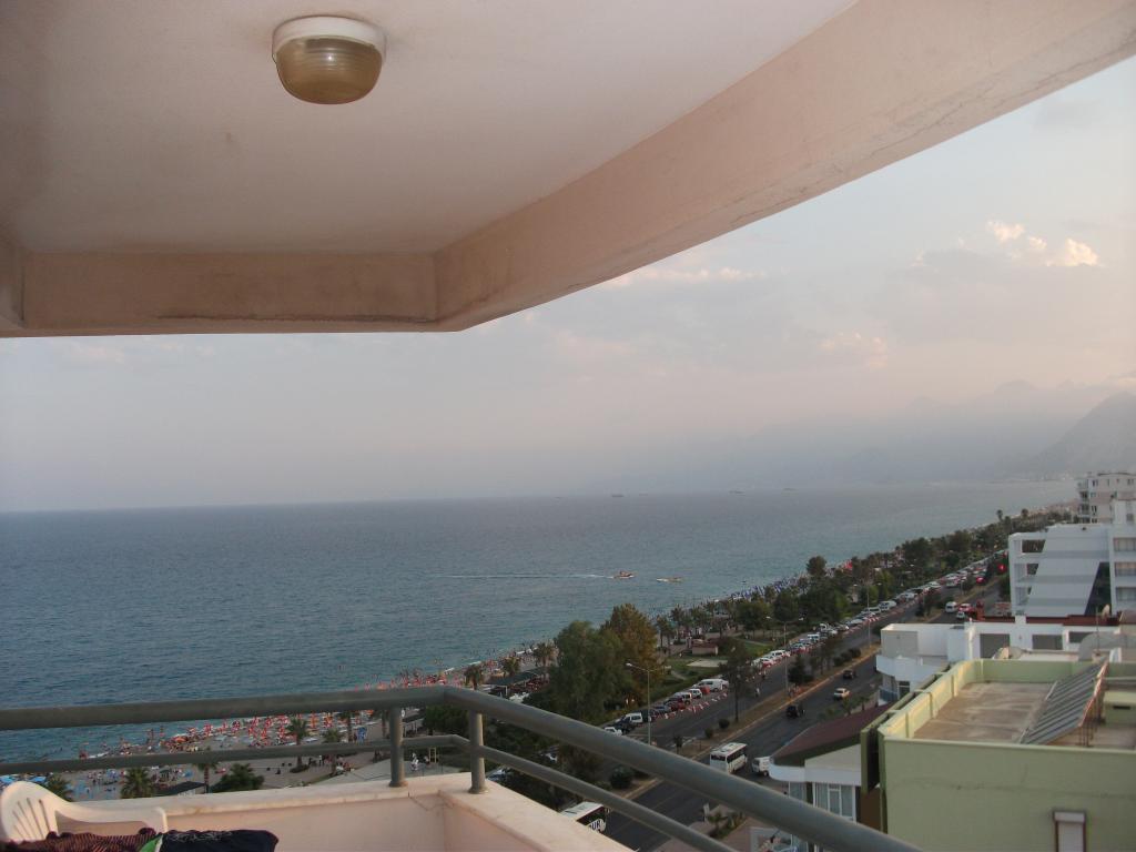 Riviera Suite Hotel