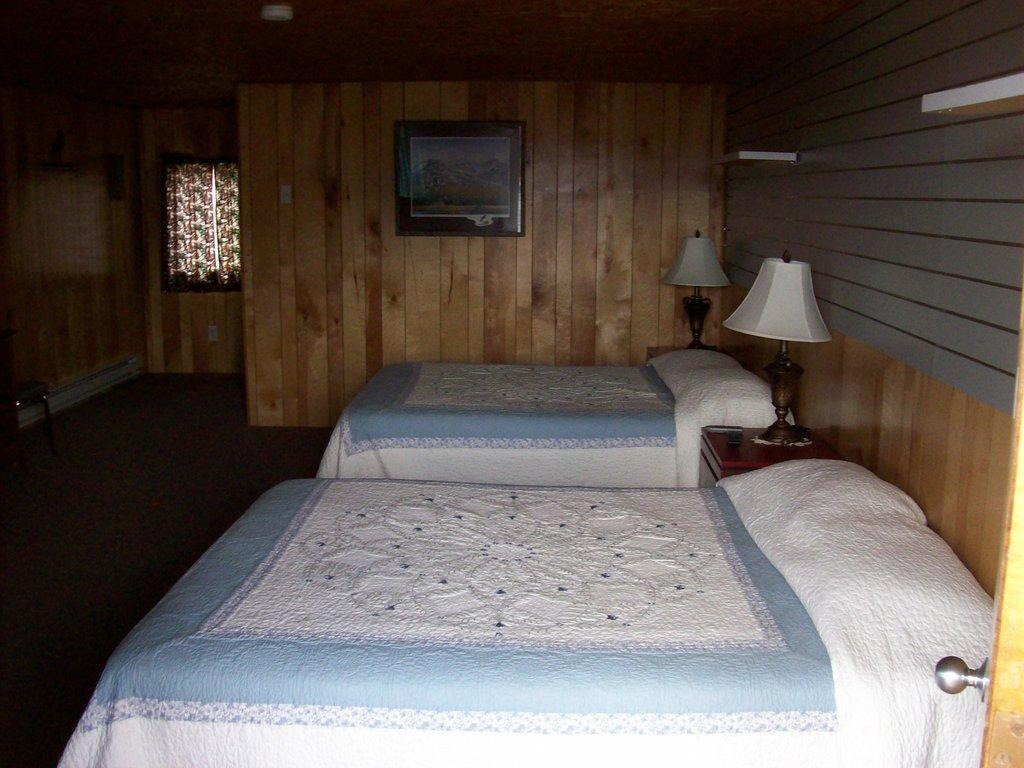 Tangle River Inn