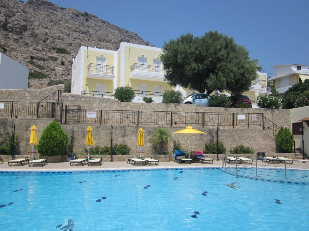 Marianthi Studios & Apartments