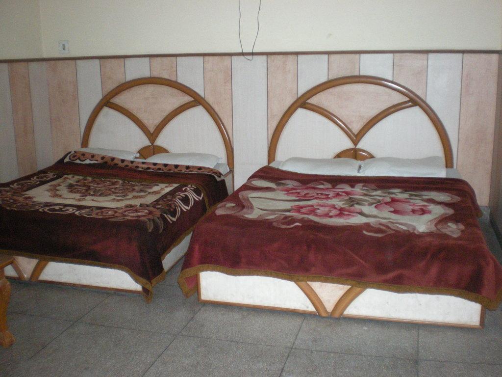 Mehra Hotel