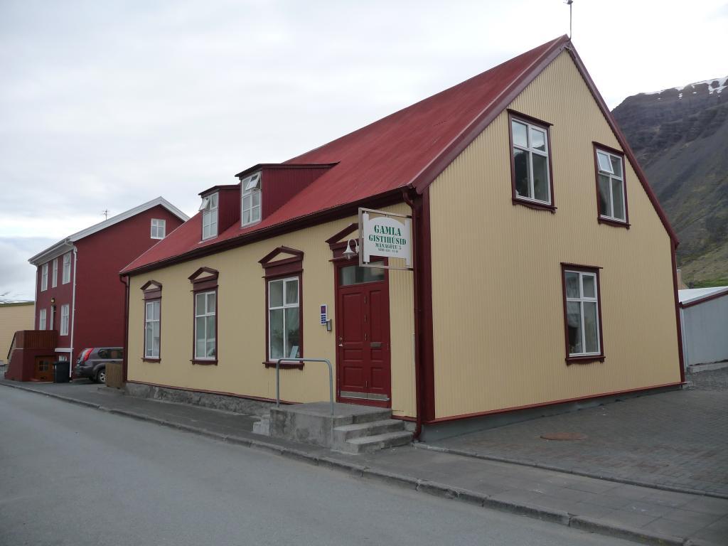 Gamla Guesthouse