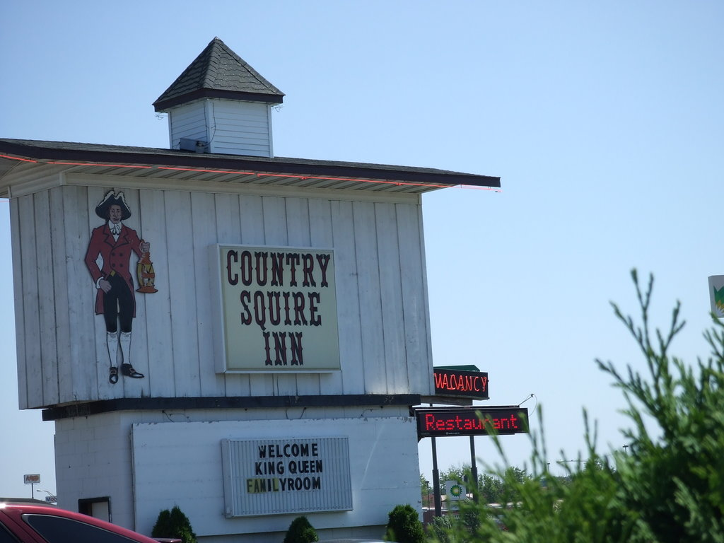 Country Squire Inn