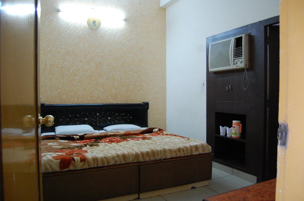 Hotel Kirandeep