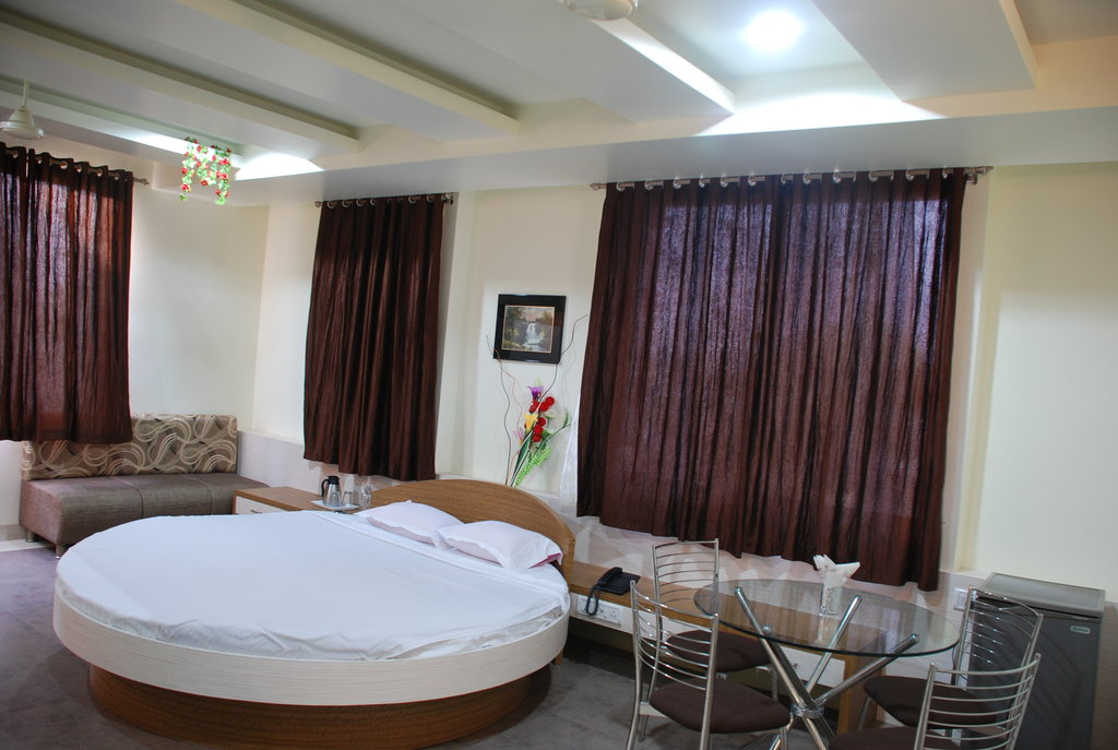 Hotel Tushar Executive