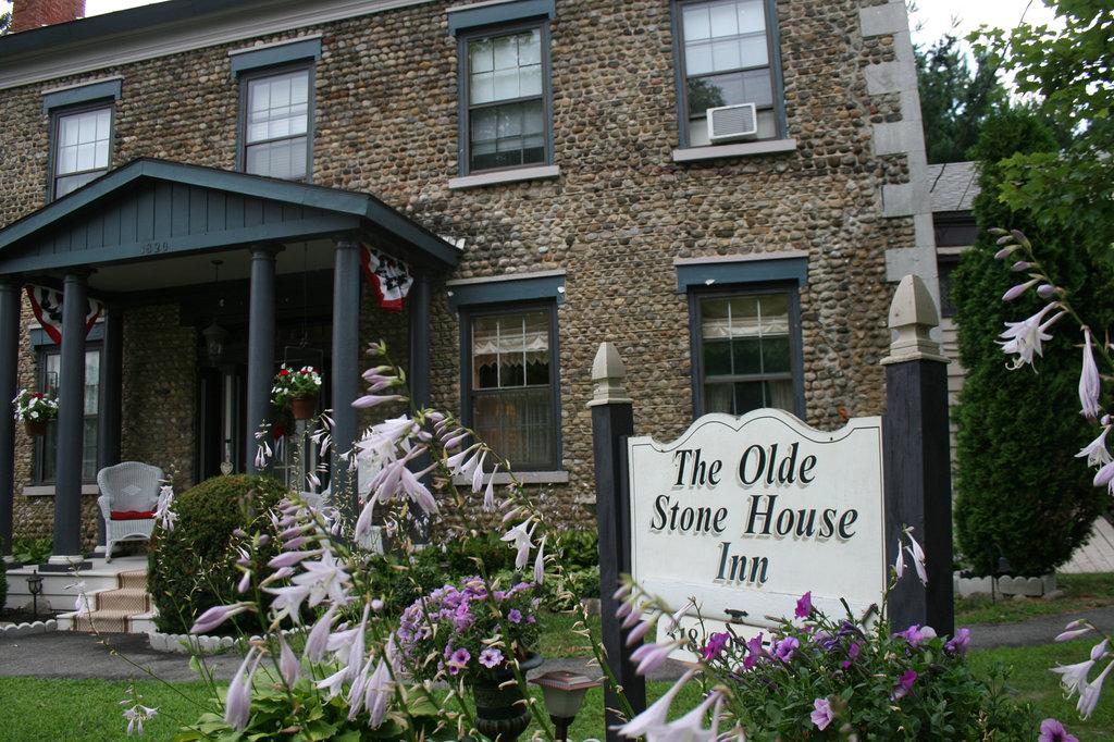 Olde Stone House Inn