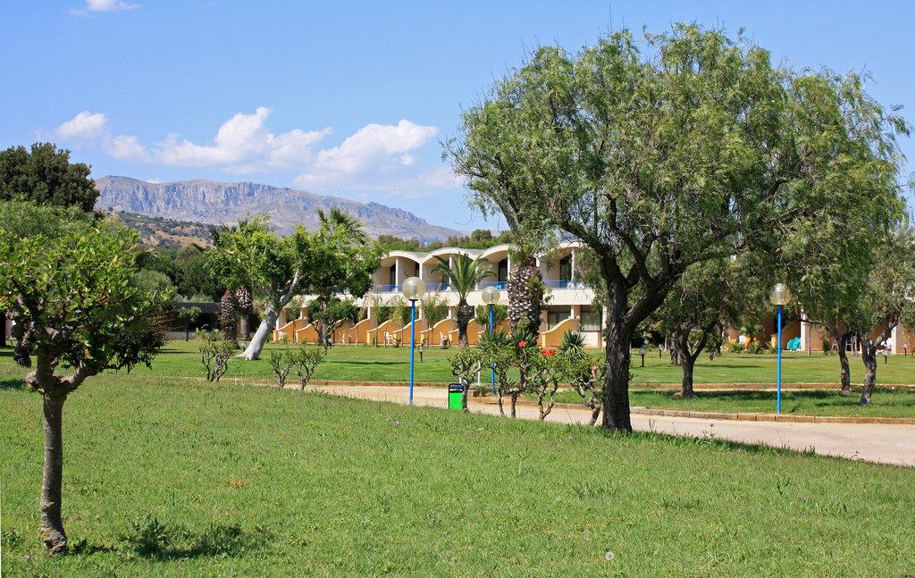 Club Alicudi Hotel