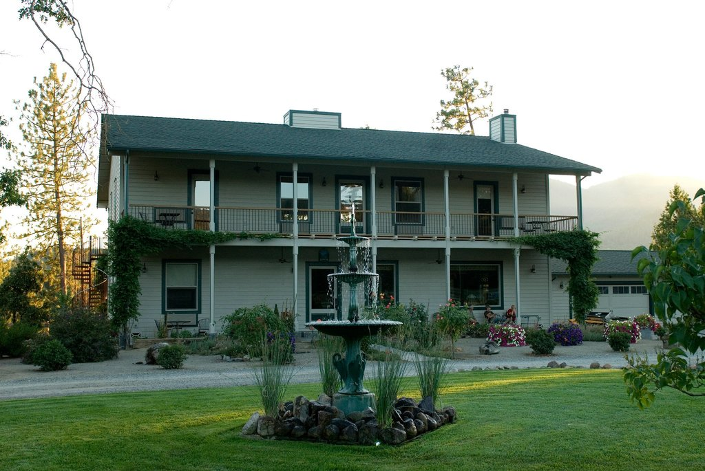 Applegate Valley Inn & Ranch