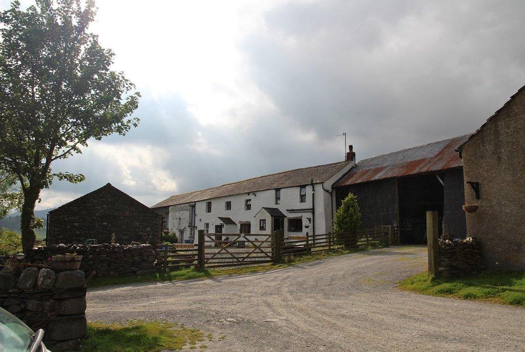 Uzzicar Farm