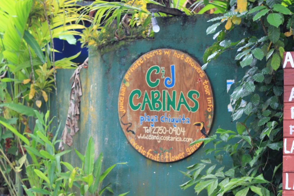 C & J Cabinas