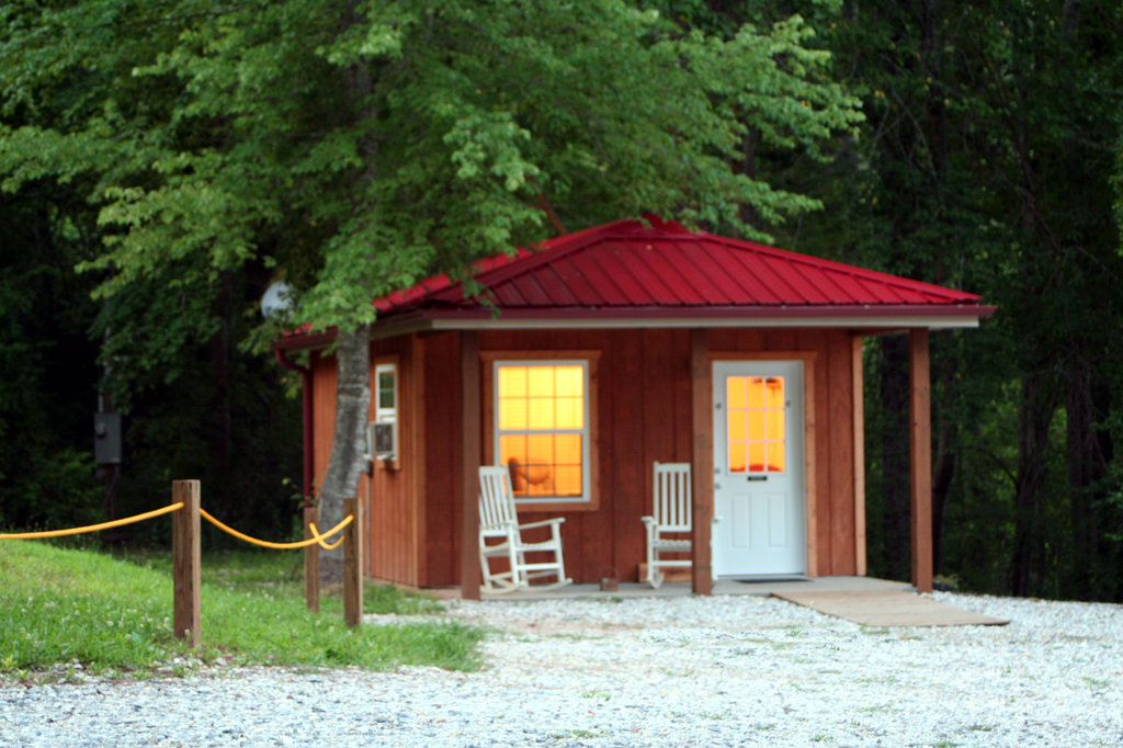 Off the Deep Inn Cabins