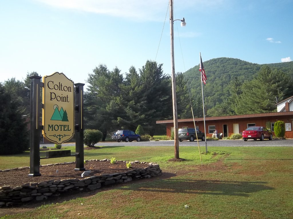 ‪Colton Point Motel‬