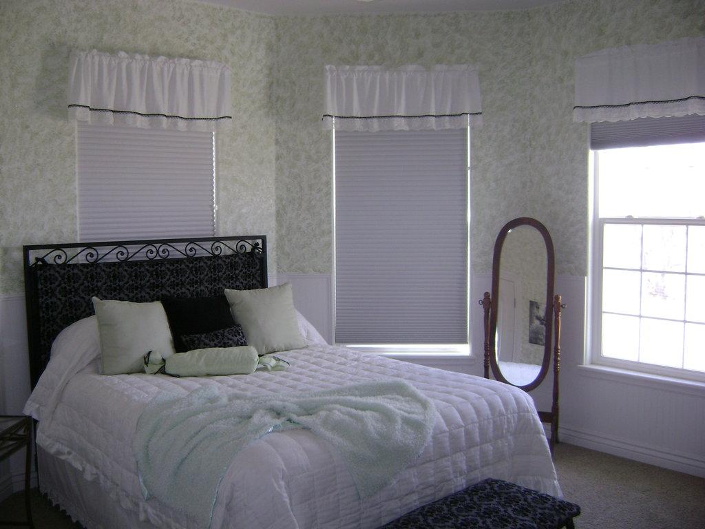 Vintage Inn Bed & Breakfast
