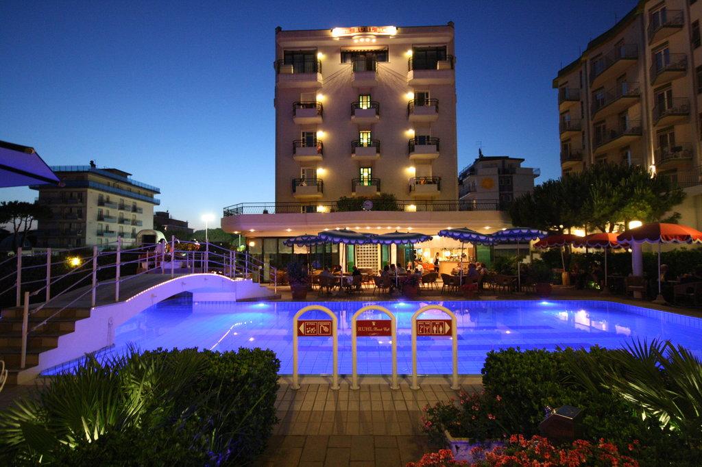Ruhl Beach Hotel & Suites