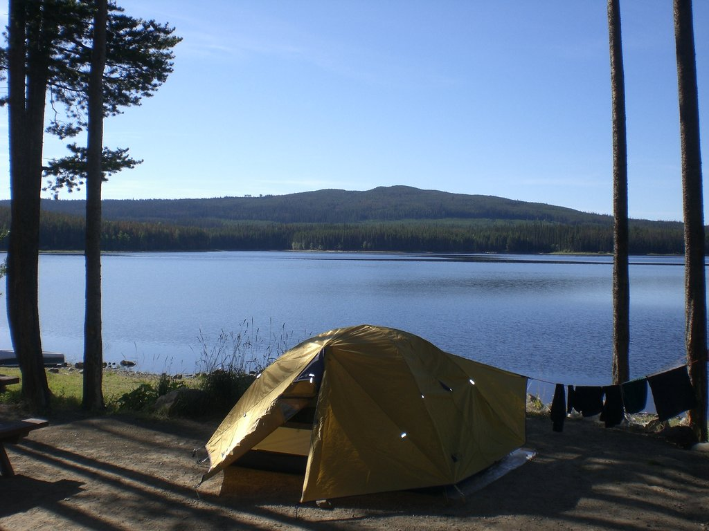 ‪Postill Lake Lodge & Campsite‬