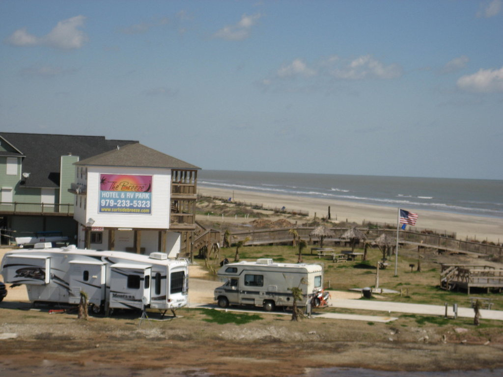 The Breeze Hotel and RV Park