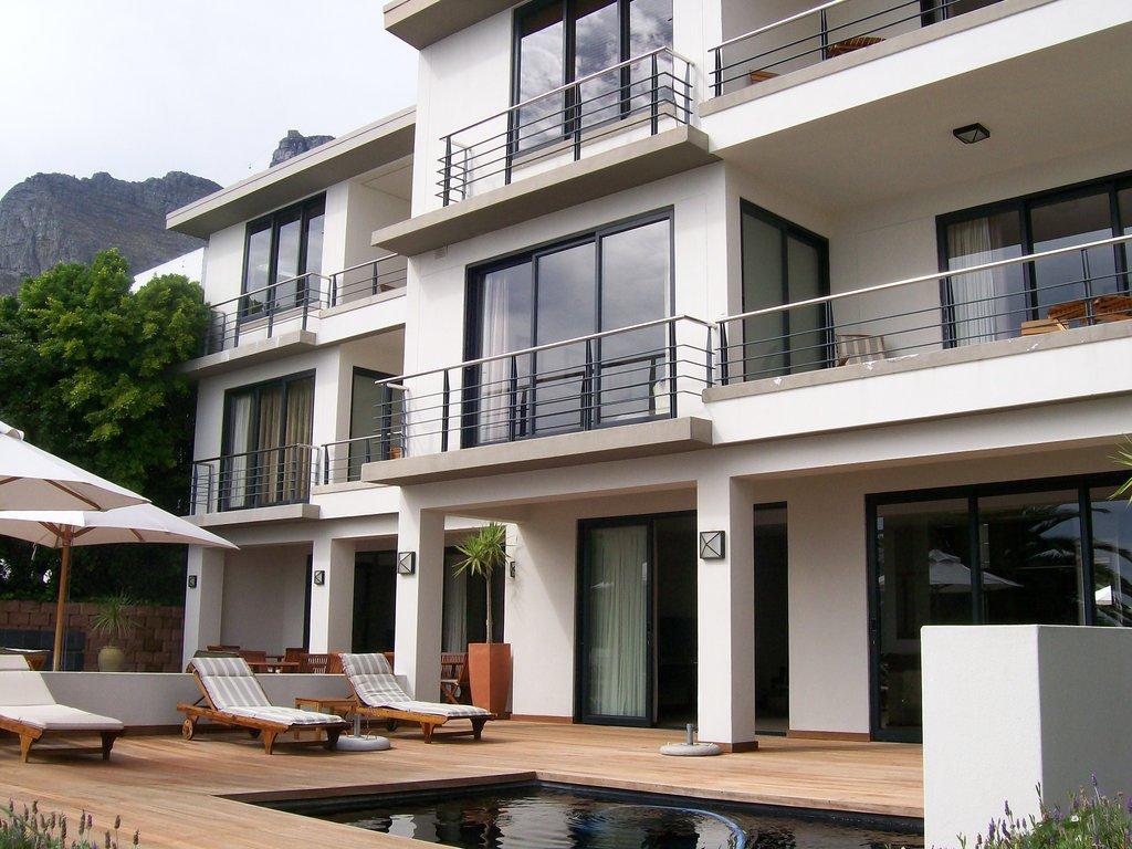 Villa Azure Guest House