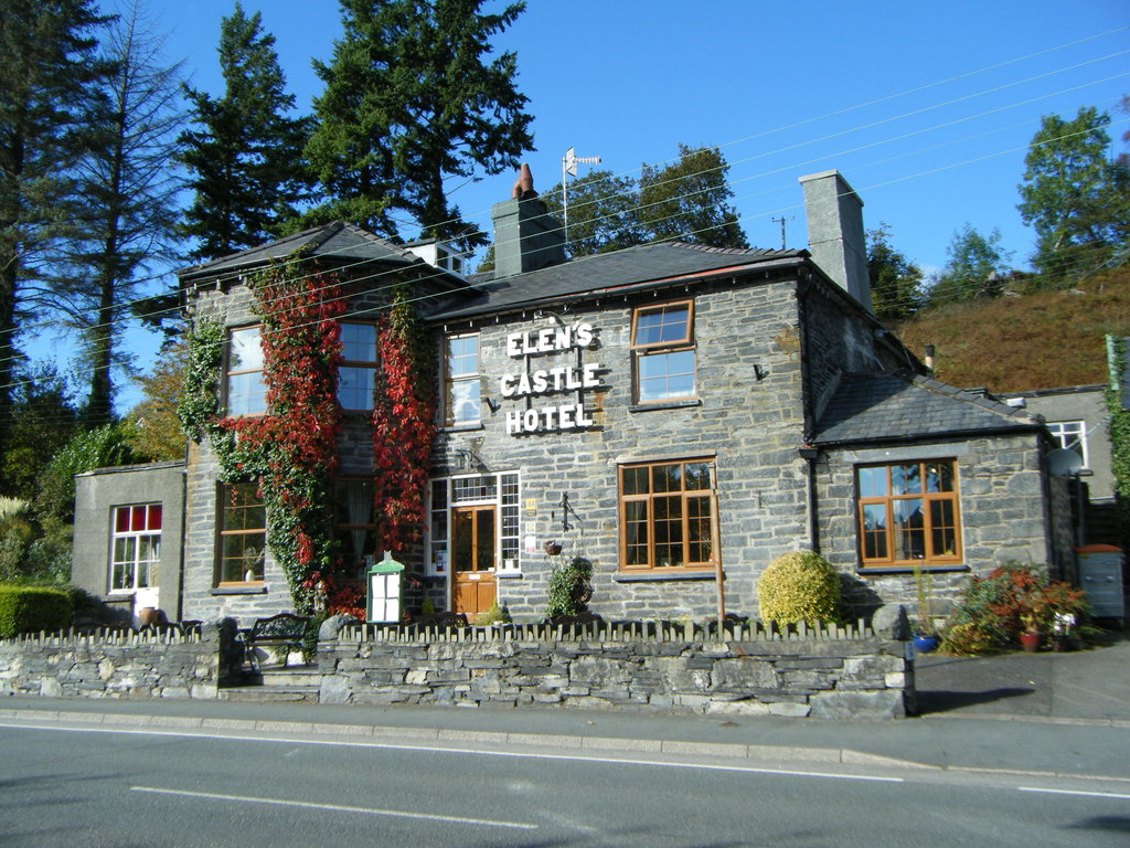Elen's Castle Hotel and Restaurant